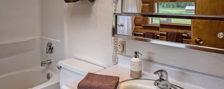 Cabinette Bath